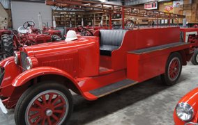 Matthews Vintage Collection fire engine