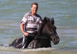Kates Horse Riding Centre kerikeri - Horse riding through pond