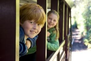 Shantytown-kids-on-train