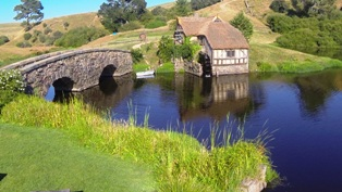 Hobbiton-movie-set-tours- (21page)