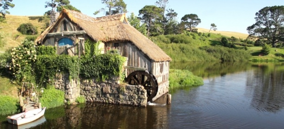 Hobbiton Movie Set Tours Experience Middle Earth From Rotorua