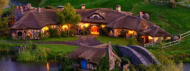 hobbiton-movie-set-tour-Matamata-new-zealand-middle-earth