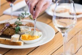 Road-trip-New Zealand-Marlborough-Wine-Tasting-lunch
