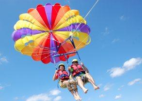 Best-activities-Rotorua-Parasailing-Trips