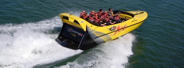 Fast-jet-boat-trips-lake-rotorua