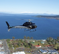 Scenic-flights-Lake-Taupo-inflite-helicopters-flight-over-taupo-township