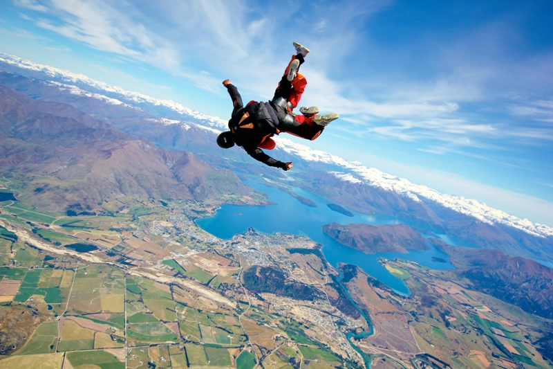 Tandem-skydive-wanaka-jumping-from-plane-7