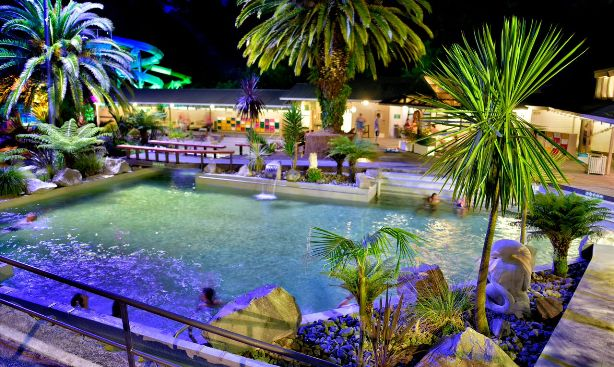 Taupo-debretts accommodation-holiday-park-hot-spring-pools