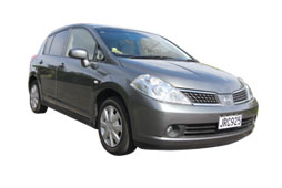rental-car-nissan-tiida-northland1