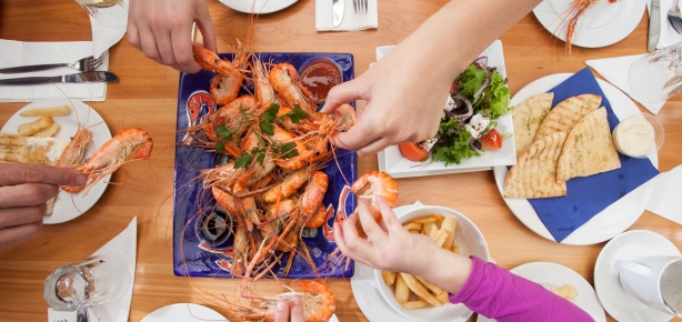 eat-prawns-at-huka-prawn-parks-riverside-restaurant-2