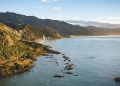 kaikoura-whale-watch-scenic-helicopter-flights-scenic-kaikoura-coastline-2