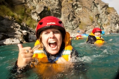 queenstown-rafting-guided-white-water-trips-shotover-river-3