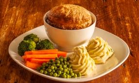 venison-hot-pot-at-cork-and-keg-old-english-pub-renwick-nz