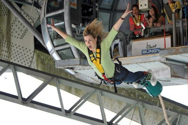 auckland-bridge-climb-and-bungy-adrenalin-adventures-3