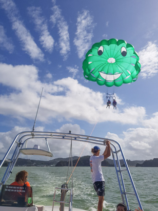 launching the parasail in the Bay of Islands