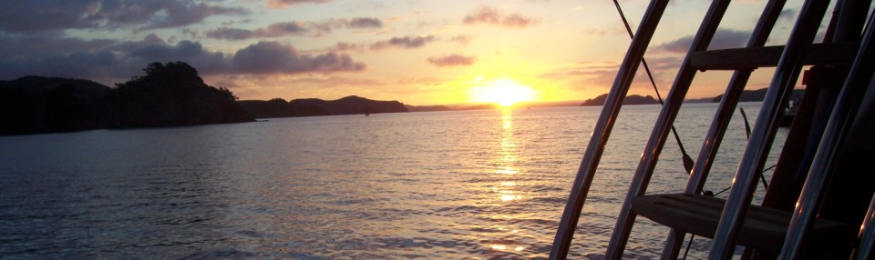 grand-cru-fishing-charters-bay-of-islands-anchored-sunset