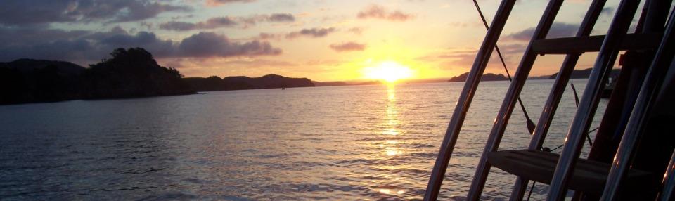 grand-cru-fishing-charters-bay-of-islands-anchored-sunset