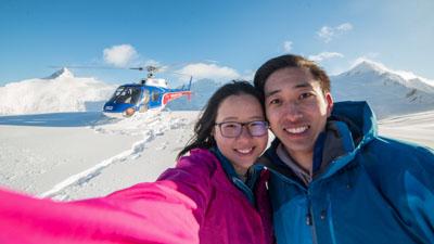 Queenstown Helicopter Scenic Flights snow landing on glaciers