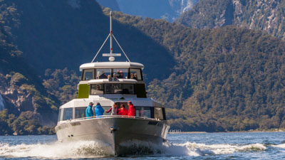 Queenstown Helicopter Scenic Flights to Milford Sound with cruise