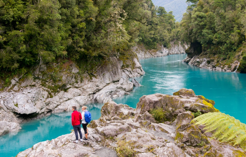 Hokitika-scenic-tours-hokitika-gorge-swingbridge-blue-water-7