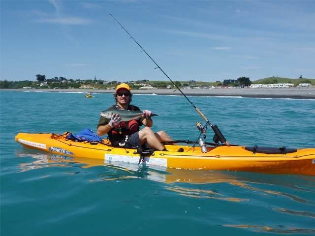 kaikoura-guided-kayak-tours-catch-fish