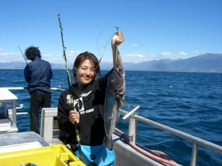 kaikoura_fishing_charters_tours-and-groper-trips-asian-lady-angler