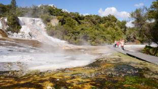 nz-river-jet-boat-thermal-safari-thrill-ride-3