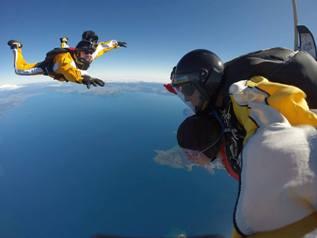 taupo-tandem-skydiving-freefall-jump-3