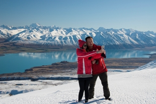 Air-Safaris-Helicopters-scenic-helicopter-flight-Lake-Tekapo-4