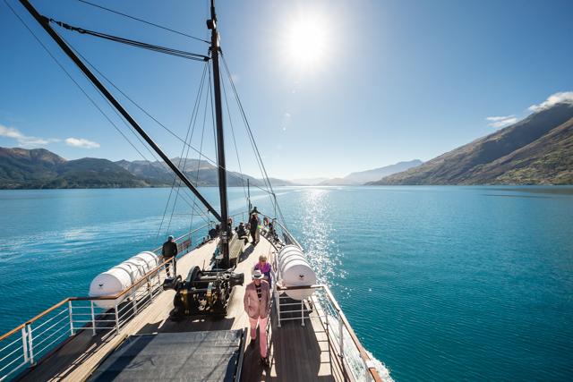 Real Journeys Tss Earnslaw Steamship Amp Walter Peak Farm Cruise