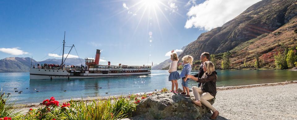 TSS Earnslaw Steamship Cruises on Lake Wakatipu