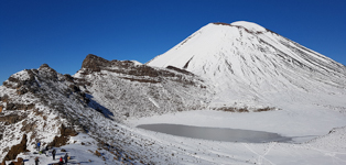 winter snow on Tongariro Alpine Crossing