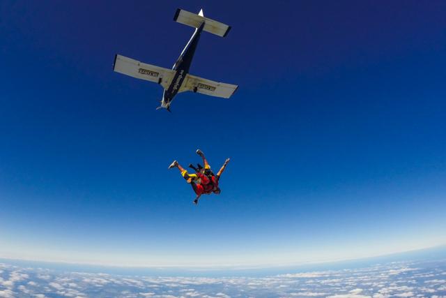 famous skydiving zertifizierung kosten composition. Black Bedroom Furniture Sets. Home Design Ideas