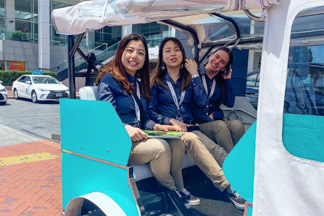 Auckland Tuk Tuk tour with three asian tourists in city centre